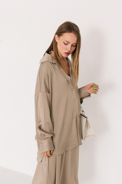 Блуза пісочного кольору oversize
